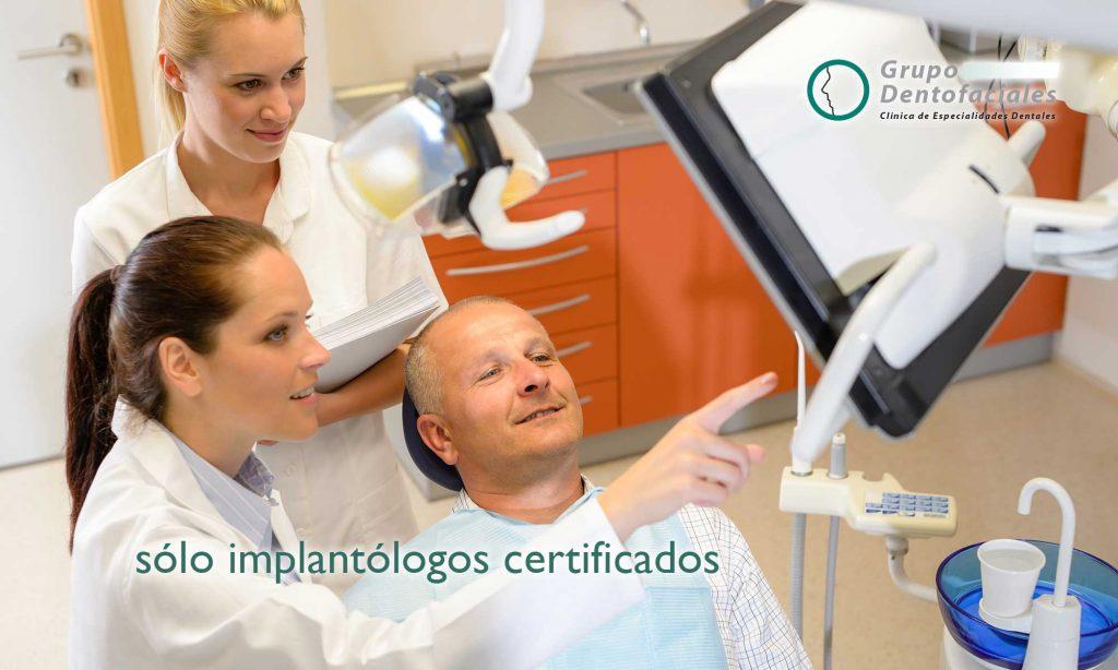 equipo de implantologos certificados